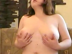 Chubby babe julya demonstrates her ass..