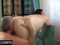Bbw slut holly jayde takes a fat cock..