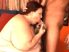 Chubby whore gets her clean shaved..