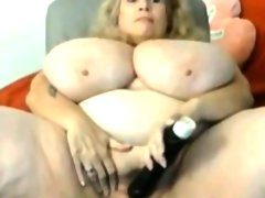 Amateur blonde granny show us her huge..